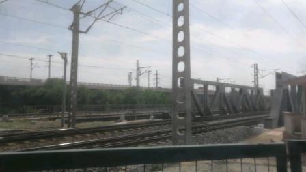 2020年6月8日,京局丰段HXD2B 0494牵引货列杨村站2道通过。