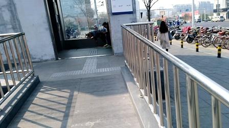 北京地铁7号线虎坊桥站电梯