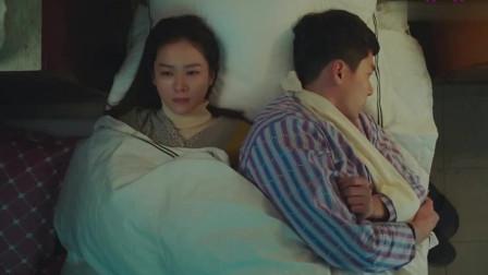 韩剧-爱的迫降-77:玄彬和孙艺珍挤一张病床睡,半夜欣赏老婆美颜