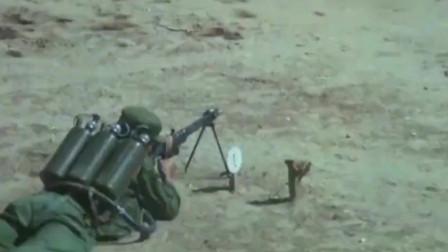 80年代炮兵实弹演习:先火箭弹后坦克,这战术放现在是否已过时