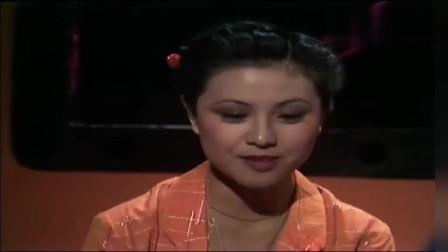 甄妮陈百强早期视频,陈百强好年轻,甄妮美的像个洋娃娃