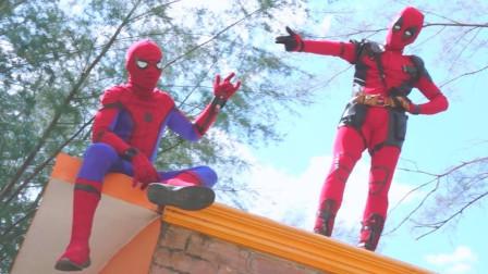 蜘蛛侠:蜘蛛侠展示各种技能比赛