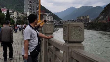 🤗站在泸定桥,仰望心中的那座桥,感慨时代突变,春满人间🦋🤗