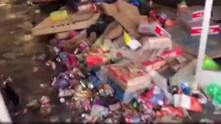 美国超市被破坏抢劫后的凄凉情景,网友:这就是黑人的天性!(1)