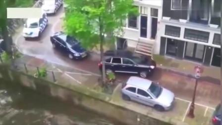 男子吃个饭回来发现车不见了,查看监控发现愤怒的画面!