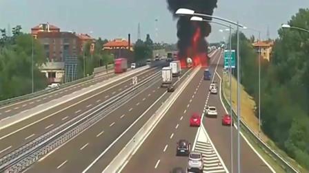 浙江高速油罐车发生车祸,不料瞬间爆炸,监控拍下恐怖的画面!