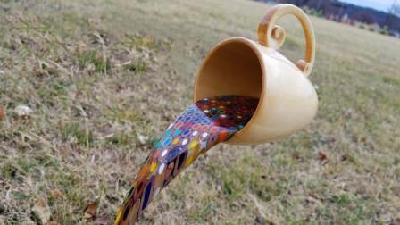 你相信自己眼睛吗?远看像一个倒出来的咖啡杯,近看才知是错觉!