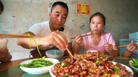 老公提回一只7斤重公鸡,做一盘辣子鸡,川味十足,一家人吃爽了