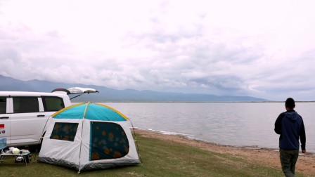 在青海湖畔驻车,享受大自然!生活不止眼前的苟且还有诗和远方