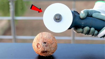 纸张的威力究竟有多强?老外用椰子测试,结果出乎意料!