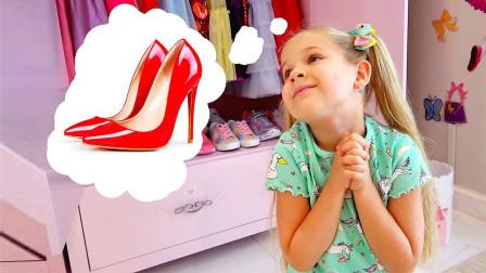 小女孩穿妈妈的高跟鞋,偷偷去参加宴会,结果被逮了个正着!