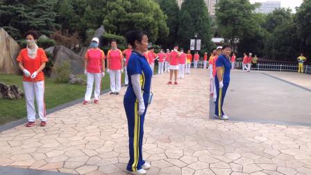 中国梦之队快乐之舞健身操,大妈们舞步节奏感强,优雅大方好看