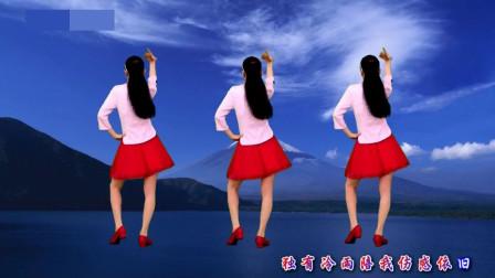 气质美女广场舞《一场冷雨一场梦》凄美伤感的歌声,百听不厌!