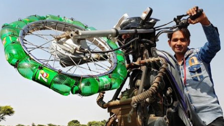 饮料瓶能替代车胎行驶吗?印度小伙亲测,结果出乎意料!