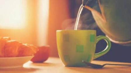 早起空腹一杯水?不注意这些问题,喝了会起反效果!
