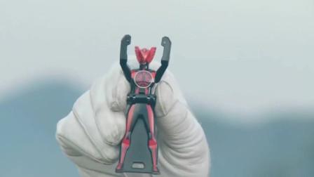 超级战队也会向假面骑士借力量,六位战士变身六个形态!