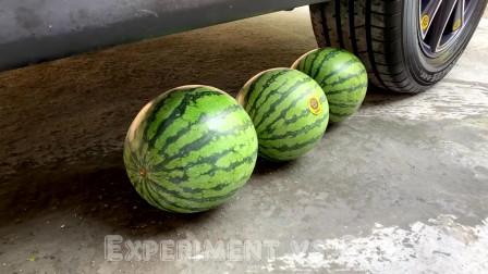 汽车实验:轮胎vs西瓜,西瓜在夏天吃不够甜吗