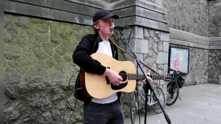 听完立刻爱上,动人的原创歌曲在街头出现
