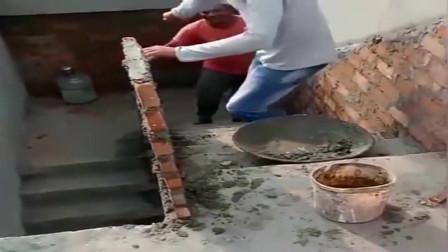 牛人发明:印度盖房子的师傅,是这么砌砖的,也太奇葩了!