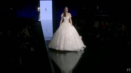 经典时尚T台秀:2020米兰时装周Julia Kontogruni超模走秀