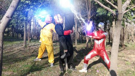 奥特曼真人版:怪兽偷独莲花,奥特曼和孙悟空联手使怪兽灰飞烟灭