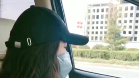 漂亮小姐姐去学车,上车摘下口罩后,教练急了