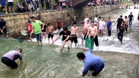贵州省镇宁县红旗水库抓鱼