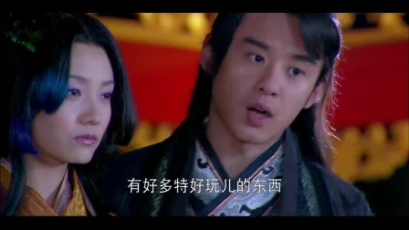 华胥引:大王为博美人开心,带她去上街,竟发现有人跟踪