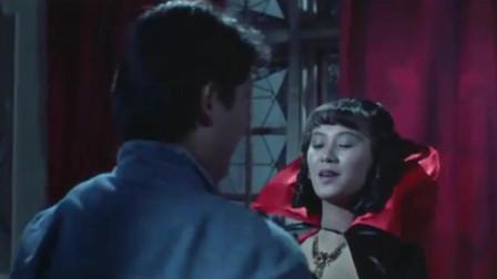 影视:小伙误入古堡,看到性感美女,差点被吸血!