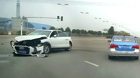 交通事故合集:红绿灯路口跟车太近,可怜了宝马的刹车灯