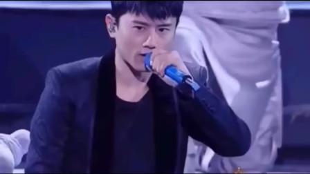 张杰vs谢娜对唱《虽然是个帅哥》,我掐指一算生辰八字跟你特别合