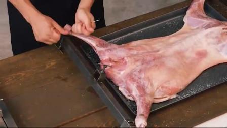 拿来一只羊,看看外国人是如何烹饪的,这样吃起来才过瘾!