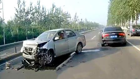 交通事故合集:女司机上路不观察路况,这次长记性了