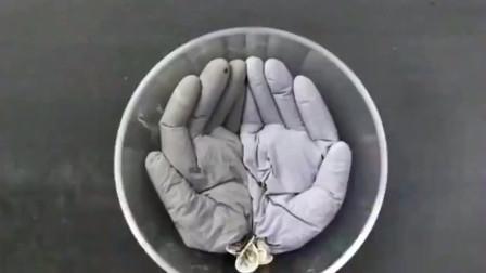 水泥还能这样玩,灌在手套里面,半小时后就变成了一件艺术品!