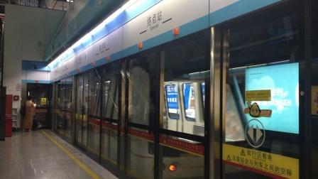 2020年7月22日,本务广州地铁集团,广州地铁珠江新城自动输送系统APM线apm1型列车,执行(林和西∽广州塔)交路,在广州塔近入折返线。