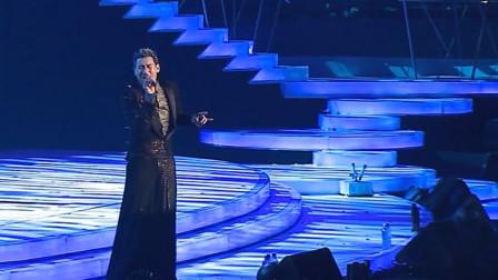 """他被称为""""歌神""""!在国外舞台演唱时,迈克尔杰克逊听了都鼓掌!"""