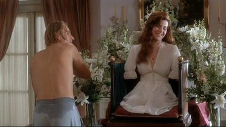 小伙为挽留女神,残忍将她四肢砍下,竟然还把她装在盒子里欣赏!
