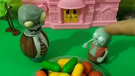好多的棉花糖啊,小僵尸馋的都流口水了,为什么僵尸爸爸不让他吃