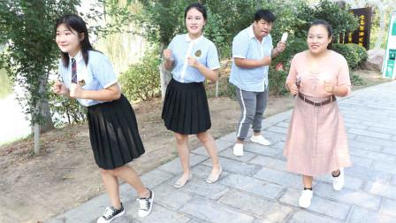 学霸王小九校园剧:老师带学生在公园晨跑,没想男同学却偷偷躲了起来,真是太逗了