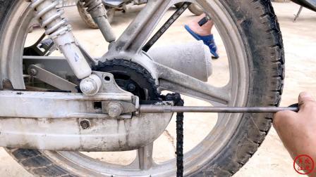 摩托车链条拆卸调整技巧,伍哥详细告诉你,学会小白都能自己搞好
