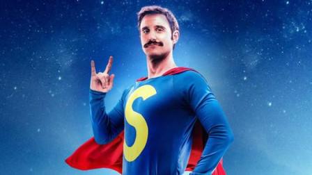 外星男孩降临地球,拥有超能力后,他维护世界的和平拯救地球