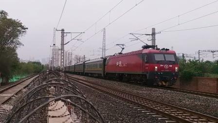 北京开往佳木斯的K349次接近张贵庄站,机后一位加挂SY25T