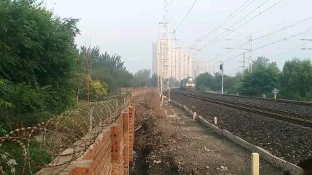 运城开往唐山的K867次接近张贵庄站