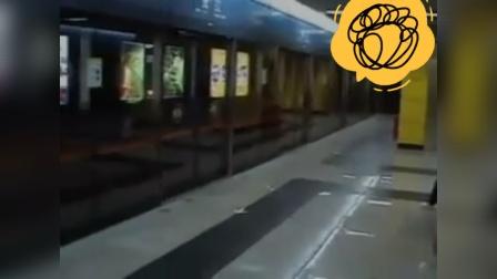 广州地铁旧2号线站台提示音鬼畜!