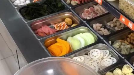 杨国福的麻辣烫,挑战10元全选蟹肉棒……旁边老板一直问我就选这点吗
