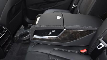 开上有面子坐着也舒适!车长超5米配2.0T+8AT,月均销量超万台