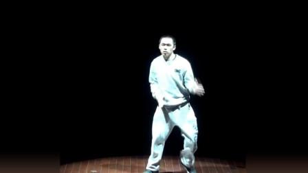 这就是街舞:主持人廖博的神级表演,刚开始笑的观众,看到最后都惊了!