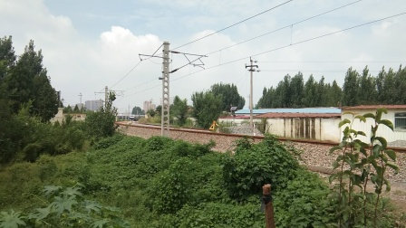 火车视频  55018济局检测车莱芜东一道发车