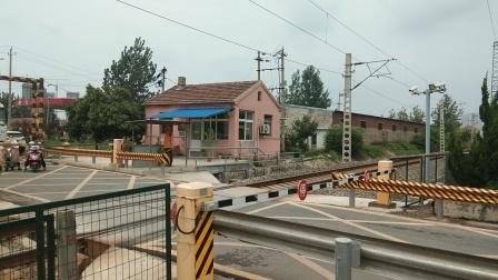 火车视频 55016莱芜东一道停车