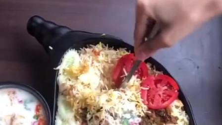 这个在印度算是高档餐了,看起来很干净健康,你们能吃多少